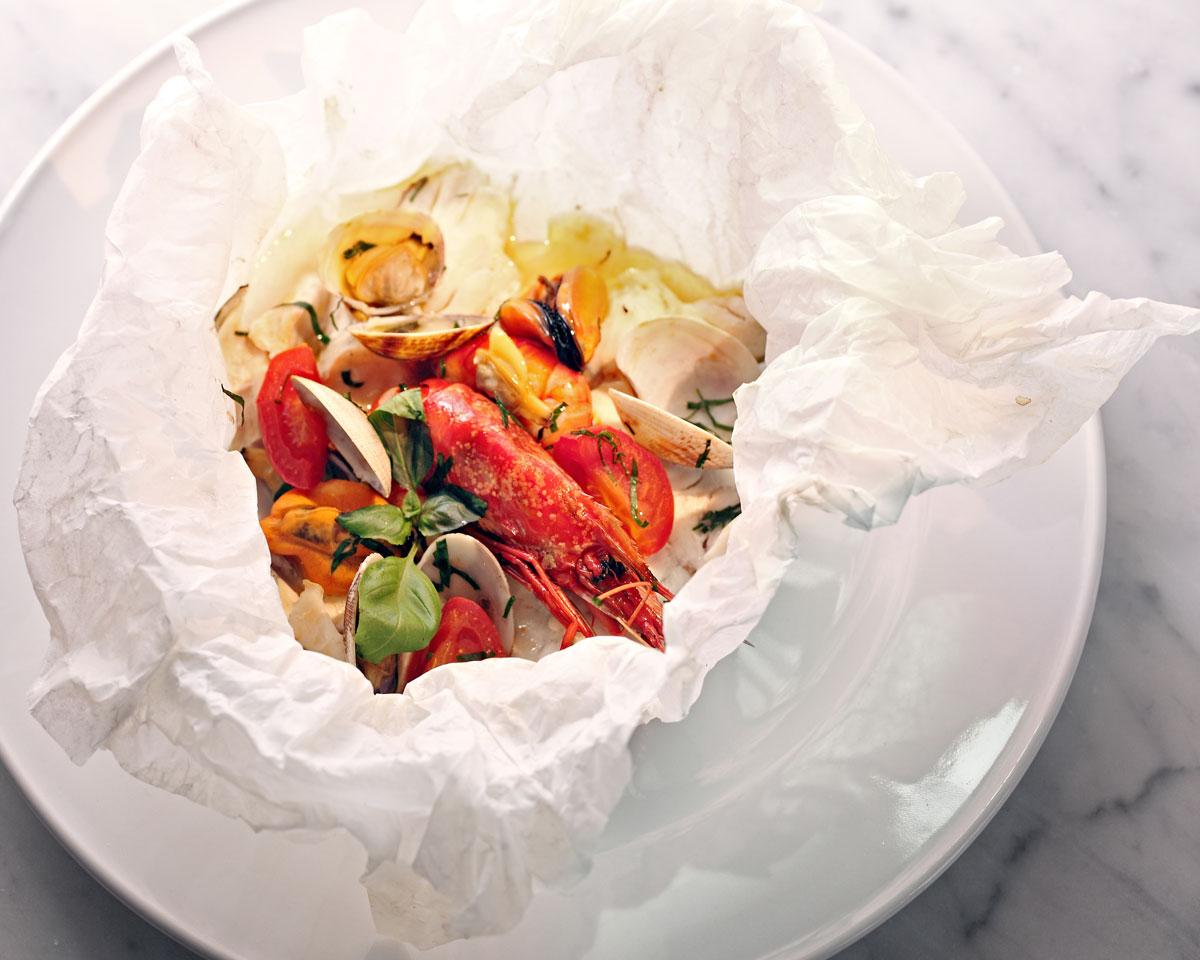 Cartoccio-di-molluschi-e-crostacei